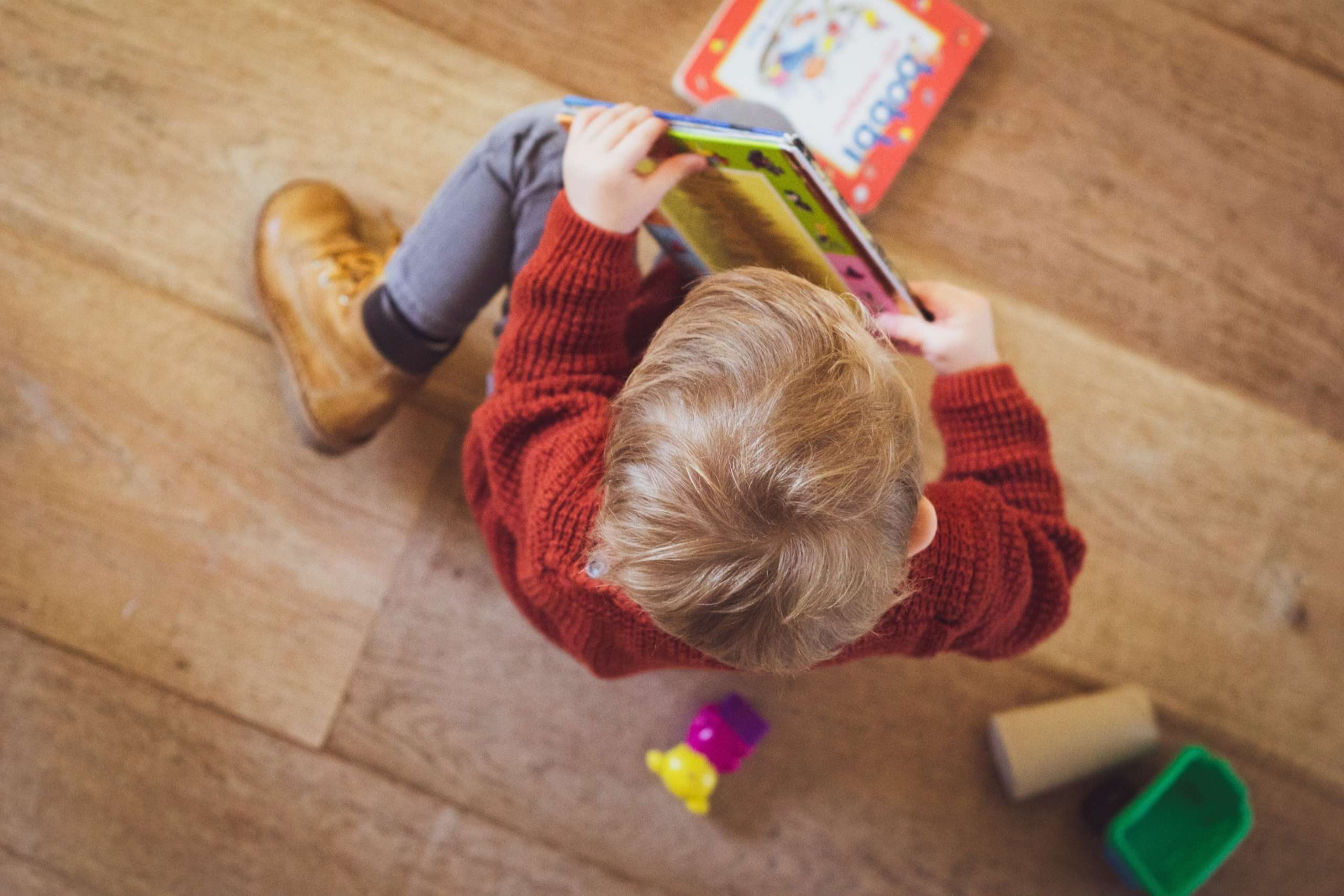 child learning stem